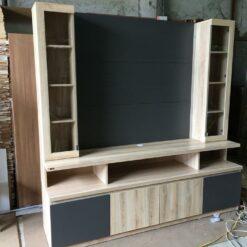 Kệ tivi gỗ công nghiệp có tủ kính GHF-6824