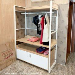 Kệ treo quần áo khung chân sắt tủ gỗ công nghiệp GHS-7828