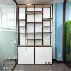 Mẫu kệ trưng bày sản phẩm khung sắt tủ gỗ GHS-7871